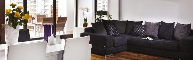Jak urządzić nowoczesny salon? Białe meble do salonu