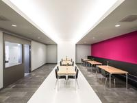 Akustyka wnętrza – jak poprawić akustykę nie zmniejszając kubatury pomieszczenia?